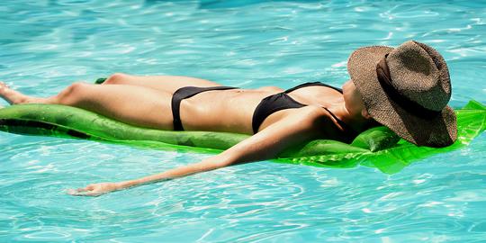 Entspannung im eigenen Swimmingpool